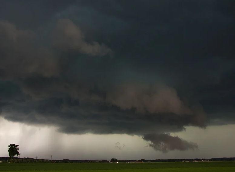 На Дону вновь объявлено штормовое предупреждение