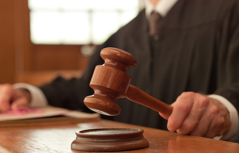 «Решал вопрос» за взятку в мэрии: в Новочеркасске судят мошенника за обман двух местных жителей