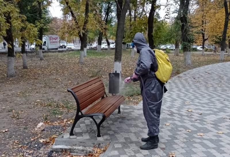 Проспекты Новочеркасска продезинфицировали от ковида