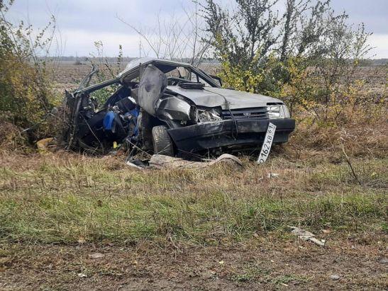 На трассе в Ростовской области мать-водитель потеряла в жуткой аварии троих сыновей