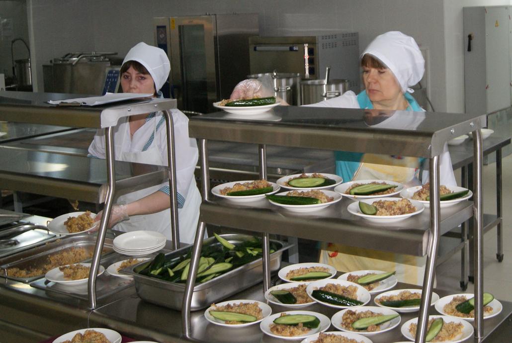 Роспотребнадзор рассказал о правильном питании детей в школах